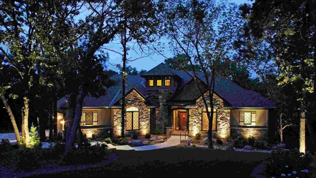 https://caryirrigationrepairs.com/wp-content/uploads/2020/05/Residential-Outdoor-Landscape-Lighting-Omaha-NE-McKay-Landscape-Lighting-2006-01-scaled-1-1280x720.jpg